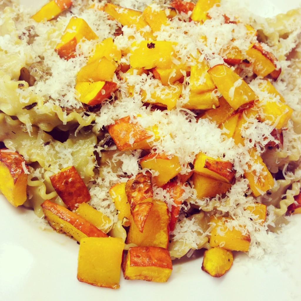 vegetarische und vegane Rezepte mit Kürbis - Kürbis-Pilz-Pasta