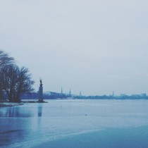 eisiges Hamburg an der Alster