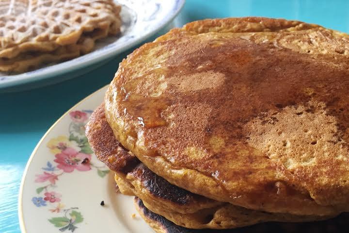 vegane rezeote mit kürbis - pancakes und waffeln