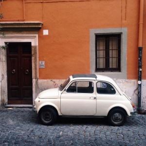 kleiner Fiat in Rom
