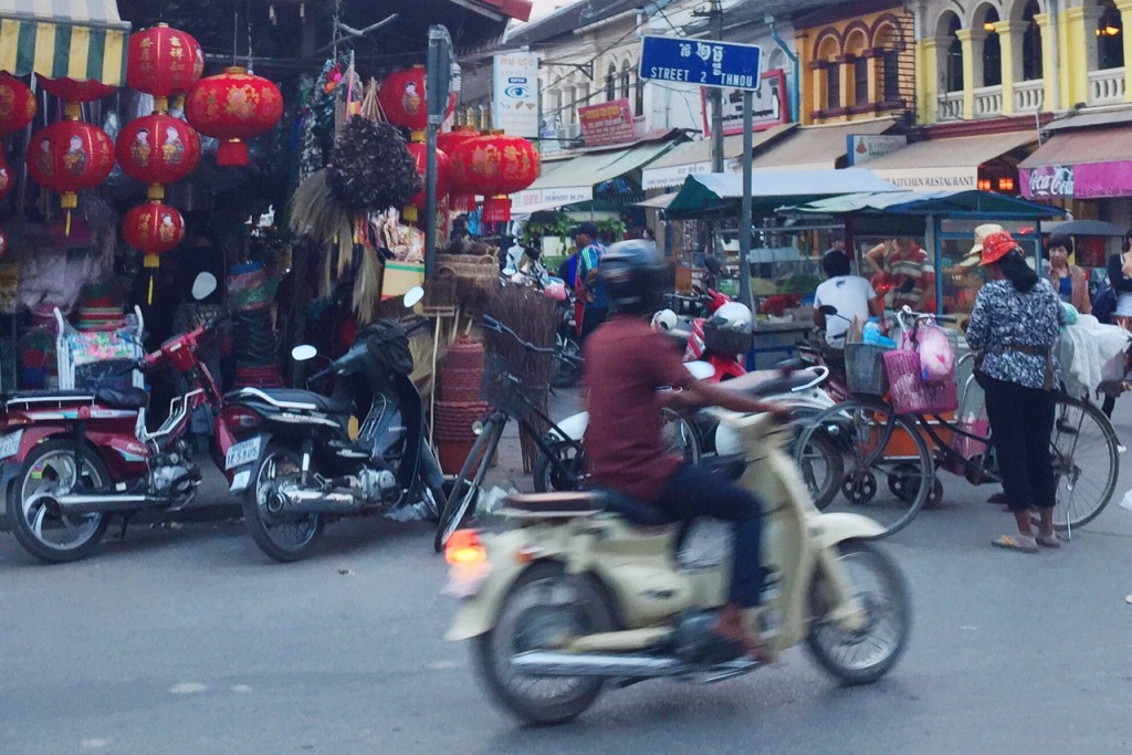 Hier ist der alte Markt, der quasi fließend in diverse andere Märkte übergeht.